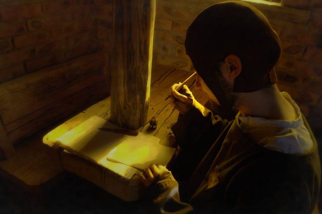 Gracz pisze piórem gęsim