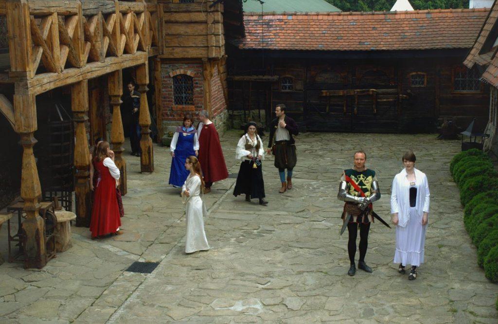 """Zamek """"Stara Baśń"""""""