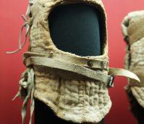 Kaptur pikowany w muzeum