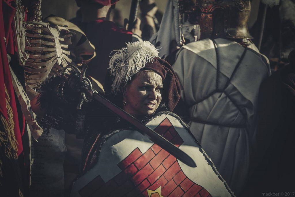Wojowniczka w bitwie na larpie Battlequest 2017
